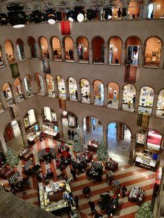 Beautiful shopping center, Venezia - Fondaco dei Tedeschi
