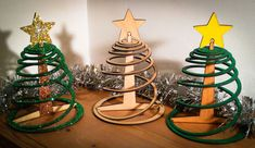 Easy three piece flat pack Christmas tree on INSTRUCTABLES