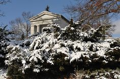 Spring Grove Cemetery Mausoleum, Breed family.