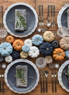 Fall #tablescape ideas with #pumpkin colored! :D