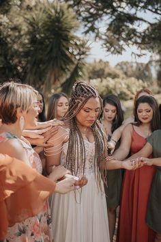 Le Gui, Bridesmaid Dresses, Wedding Dresses, Crown, Weddings, Fashion, Dresses For Beach Wedding, Bridesmaids, Engagement