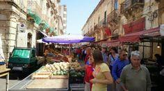 AVANT CATERING. Mercado en Sicilia