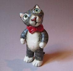 I'll be the first to admit that I'm a bit of a cat fanatic. I have three of them inthe house and if we lived in a bigger house, we'd probably have more. These cat sculptures are a way of...