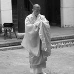 高野山真言宗僧侶です。どうぞ宜しくお願いします。合掌 Hello. I am a priest of the Mt. Koya-san Shingon Buddhism. I pray so that the world is peaceful forever. Joining hands