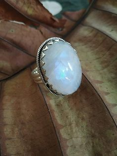 Vintage engagement rings moonstone sterling silver ideas for 2019 Moonstone Jewelry, Crystal Jewelry, Gemstone Jewelry, Sterling Silver Jewelry, Crystal Ring, Gold Jewelry, Bohemian Jewelry, Labradorite Ring, Bohemian Rings