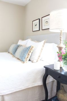 Check these 33 best bed headboard ideas out! There's more of these and plenty other outstanding ideas at glamshelf.com #interiordesign #bedroomgoals #bedroom