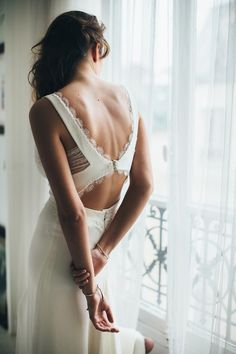 Baby got Back – 30 Showstopping Statement Back Wedding Dresses | Sophie Sarfati wedding dress low back Lottie | weddingsonline
