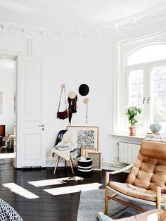 Tan leather chair, Muuto Dots #homedecor #interiordesign #livingroom