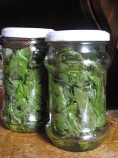 Fakanálforgató tollforgató: Lestyán télire Pickles, Cucumber, Mason Jars, Food, Gastronomia, Canning, Red Peppers, Creative, Essen
