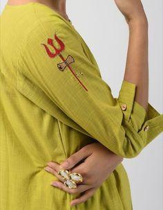 Best 12 Green Hand-dyed Linen Cotton Kurta with Hand Embroidery Embroidery On Kurtis, Hand Embroidery Dress, Kurti Embroidery Design, Embroidery Fashion, Hand Embroidery Designs, Embroidery Patterns, Kurti Sleeves Design, Sleeves Designs For Dresses, Sleeve Designs