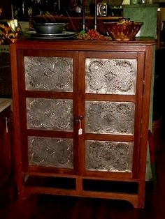 Oh how I would love to have an antique pie safe. Hopefully some day I'll run across one at a price I can afford