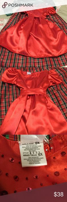 ❤️⛄️VINTAGE child's PARTY TIME🦄❤️RED DRESSY DRESS ❤️💋🦄VERY RED Excellent vintage condition never worn fully lined with large bow tie sash size 6X,  BUNDLE w//Beautiful VELVET TOP CHRISTMAS 🎄tTARTAN PLAID DRESS as seen in background🎄 If into vintage used to own a vintage boutique in Redwing MN, stored for years/needing to move NOW/ I moved in with💋❣️fiancé 💋is too 😍🤪😰overwhelming/VAST Amount of cedar chestS with OLD Treasures🎁🌄⛄️❤️Fishhouses that store the chest will be moving…