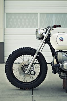 Kim Boyle of BCM readily admits that he's not the world's greatest fan of BMW airheads. But that didn't stop him building this amazing customized R100/7. bmw custom, bmw r1007, bmw airhead