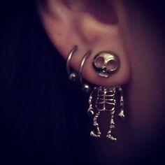 Piercings. Skull earring.                                #piercing  #piercings  #bodyart