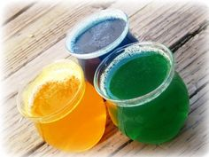 Homemade Air Fresheners- Okay, where can I buy essential oil? I have been looki… Homemade Air Fresheners- Okay, where can I buy essential oil? I have been looking, but I don't exactly have the time to browse with an active 1 year old. Cleaners Homemade, Diy Cleaners, Household Cleaners, Homemade Air Freshener, Diy Casa, Passementerie, Tips & Tricks, Diy Cleaning Products, Household Products
