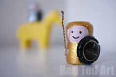 From Cork to Knight. Cute cork craft!!