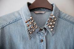 A silver collar