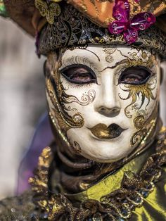 NPC - The Custodian - Mysterious Druid caretaker of the Sisters' Vault. Venice Carnival Costumes, Venetian Carnival Masks, Carnival Of Venice, Venetian Masquerade, Masquerade Ball, Masquerade Costumes, Harlequin Mask, Venitian Mask, Costume Carnaval