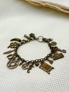 Pulseira Patuá Ouro Velho - Brass Lucky Charms Bracelet | Beat Bijou | Elo7