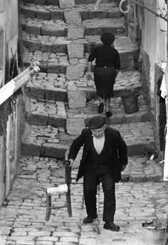 black and white photography italian people working at DuckDuckGo Monochrome Photography, Black And White Photography, Street Photography, Magnum Photos, Vintage Photographs, Vintage Photos, Fosse Commune, Cultura Judaica, Italian People