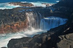 Overflow | Along the lava shelf by Queens bath in Princevill… | Flickr