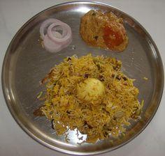 EGG BIRIYANI IN HYDERABAD STYLE - Sun Samayal Egg Recipes, Indian Food Recipes, Soya Chunks Recipe, Tamil Cooking, Biryani Recipe, India Food, Garlic Paste, Food Snapchat, Butter Chicken