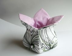 """Sewing instructions and patterns Fabric basket """"blossom"""" – Sewing pattern and sewing … - fabric crafts Sewing Patterns Free, Sewing Tutorials, Fabric Patterns, Knitting Patterns, Pattern Sewing, Fabric Crafts, Sewing Crafts, Sewing Projects, Fabric Basket Tutorial"""