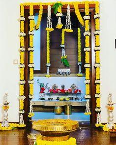 Housewarming Decorations, Diy Diwali Decorations, Home Wedding Decorations, Marriage Decoration, Backdrop Decorations, Festival Decorations, Door Flower Decoration, Home Flower Decor, Flower Decorations