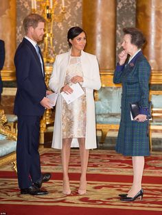 Meghan Markle and Prince Harry joined Kate Middleton and Prince William for a special celebration in honor of Prince Charles at Buckingham Palace Prinz Harry Meghan Markle, Meghan Markle Prince Harry, Prince Harry And Megan, Harry And Meghan, Oprah Winfrey, Duke And Duchess, Duchess Of Cambridge, Sussex, Kate And Meghan