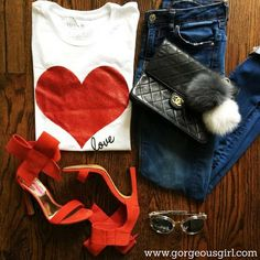 How about this look? Won't you love to have it? #Fashion #Style Know more about fashion right here ->