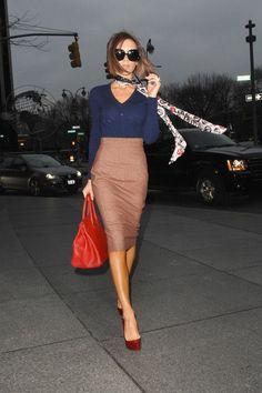 High waisted pencil skirt, navy, orange-red bag