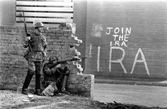 These Pictures Show What Life Looked Like During The Troubles Northern Ireland Troubles, Irish Republican Army, The Ira, Erin Go Bragh, Londonderry, British Soldier, Historical Pictures, What Is Life About, Picture Show