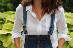 "Do you love overalls? Than you'll love my blog post ""how to wear overalls"". I show you lots of ways to style them! Don't miss out!  My favorite look is wearing heels with overalls Obsessed!  link in profile  #thesicilianswede #overalls #fashionblogger #thatsdarling #fashionblog"
