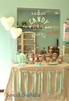 Tal y como os adelantaba ayer en la página de Facebook , esta semana he montado una Candy Bar en la tienda, también llamada mesa de dulce...