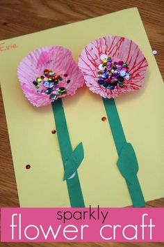 This sparkly flower craft for kids is so much fun for springtime or anytime of year you want to make some cute flowers! Kids will love adding the sparkles and being creative with this easy craft for kids! #teachmama #kidscraft #craft #flower #activitiesforkids #craftforkids #activities #indoor #fun #flowercraft
