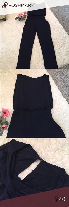"""✨Gorgeous Donna Rocco Jumpsuit ✨ Size 6, excellent condition, worn twice!✨Side zipper at chest, washable and very, very comfortable! Just a little too big for me, as I am 2/4. Straight leg, inseam 30"""". Anyone would love this piece!!💞Navy in color🦋Note: there are no stains or marks. The light from the window created a Shadow Donna Ricco Pants Jumpsuits & Rompers"""