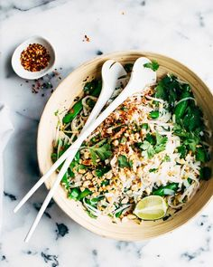 Thai Noodle Salad with Sweet Chili Dressing | http://www.foodess.com