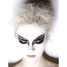 <3 this Black Swan make up!