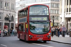 London - Wikipedia, the free encyclopedia