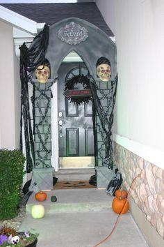Halloween Arch-DIY AWESOMENESS