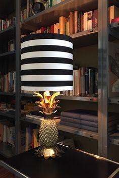Ananas Tischlampe, Messing schwarz weiss gestreifter Lampenschirm  von 'Love Frankie' harryclark colour4design