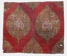 Fragment  Date:     17th century Geography:     Turkey Culture:     Islamic Medium:     Silk and metal thread; brocaded