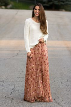 2 quick ways to permanently (or temporarily) take in a flowy skirt