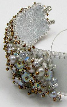 Fabric Beads, Fabric Jewelry, Bead Embroidery Jewelry, Beaded Embroidery, Beaded Cuff Bracelet, Monogram Jewelry, Beaded Jewelry Designs, Embroidery Techniques, Bracelet Patterns