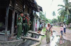 """트럭에 싣고 어디 갔지? [2014.05.19 제1011호]       [세계_ 버마 로힝야, 제노사이드 경보 ② 인신매매를 거쳐 말레이시아까지 ] 생존자들이 전하는 두치야단 학살의 참상… 남자들은 비명횡사,  여자들은 성폭행당하고 실종됐는데 정부는 시종일관 """"아무 일 없었다"""""""