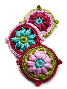 Yarn Flowers, Crochet Flowers, Table Runners, Jewellery, Image, Handmade, Etsy, Lace, Tejidos