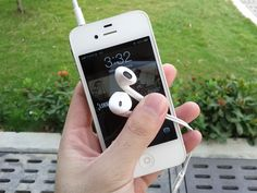 Snap Pics With Your Apple Earpods/Earbuds And Avoid Fumble Fingers #technology