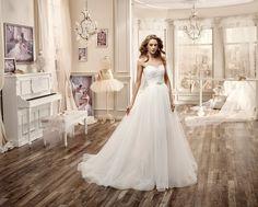 Moda sposa 2016 - Collezione NICOLE.  NIAB16082. Abito da sposa Nicole.