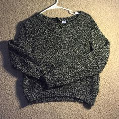 H&M Cropped Sweater Cropped, slightly fitted in the bottom H&M Sweaters Crew & Scoop Necks