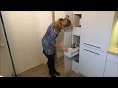 Praktikus modern konyha - A rossz adottságú helyiség megdöbbentő átváltozása - YouTube